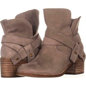UGG ankle boot